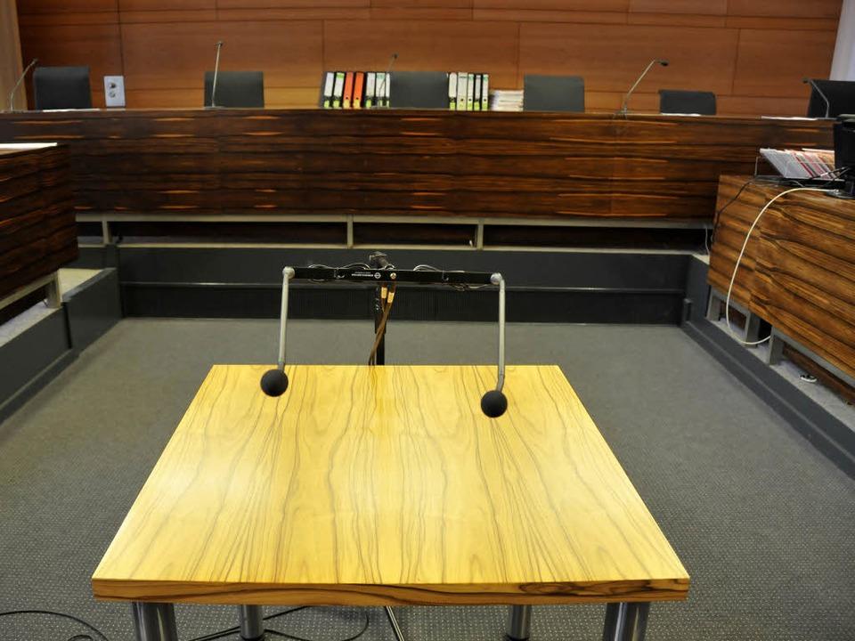 Vor Gericht klappte der Angeklagte zusammen.    Foto: Ingo Schneider