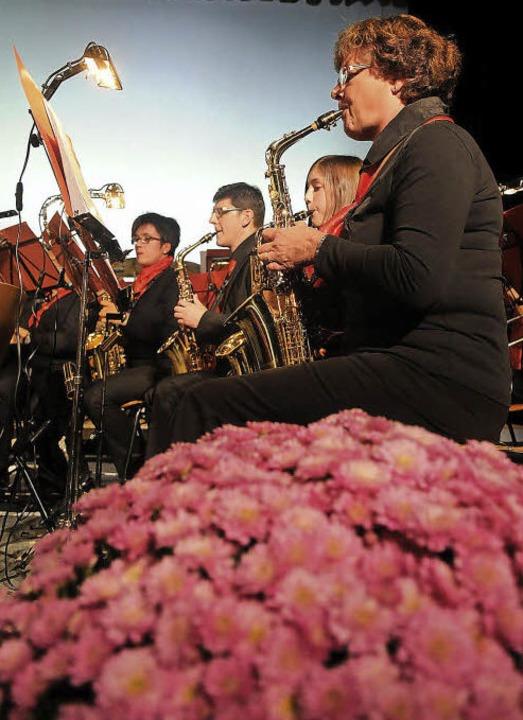 Chrysanthemen und Musik: – eine ...bei der Chrysanthemengala am Sonntag.   | Foto: Wolfgang Künstle