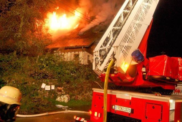Haus in Buchenbach brennt fast völlig aus