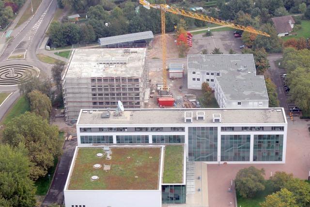 Rheinfeldener Unternehmer unterstützt Medizintechnik-Neubau