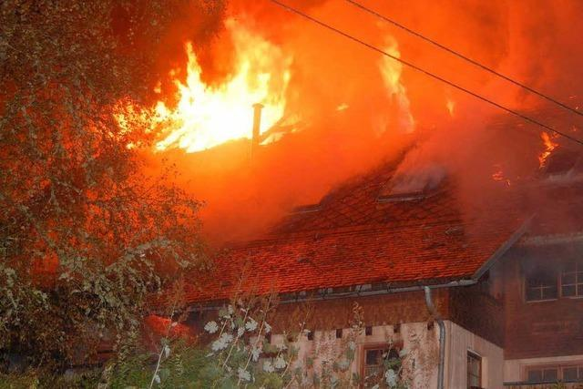 Feuer zerstört Hutjörgenhof in Wagensteig