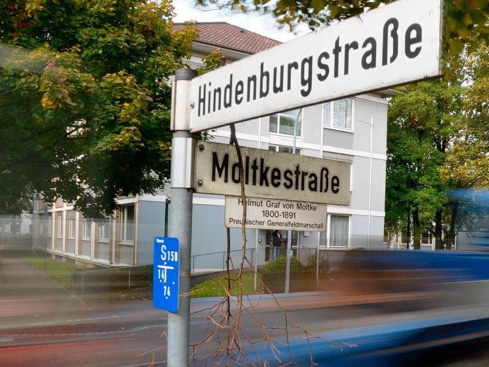 Die vielbefahrene Moltkestraße ist nac... benannten Straße nicht möglich ist.    | Foto: Helmut Seller