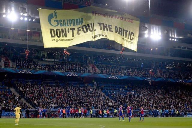 FC Basel muss wegen Greenpeace-Aktion Strafe zahlen