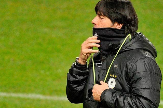 Löw verlängert bis EM 2016 - Flick künftig Sportdirektor