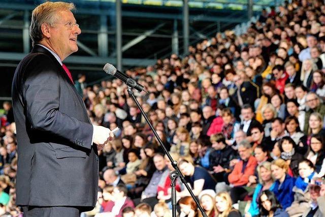 Erstsemestertag im Fußballstadion – 4000 Studenten kommen