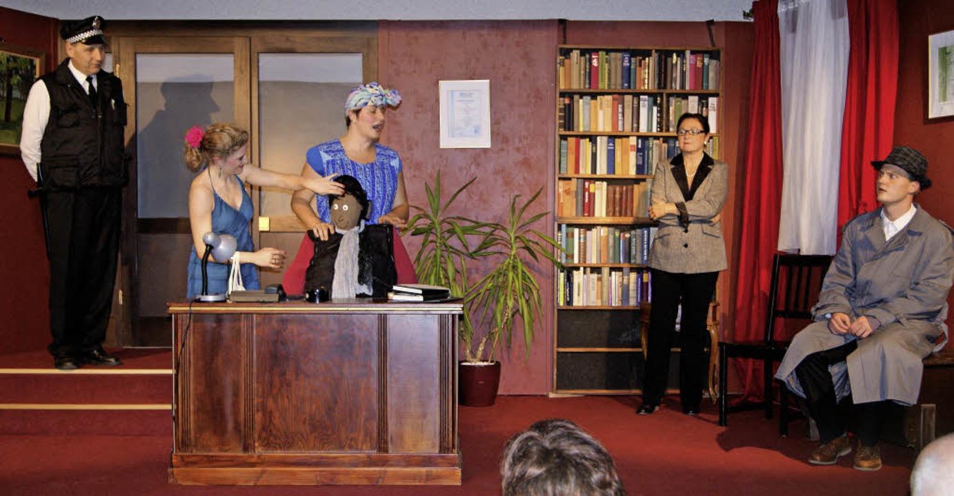 Das Publikum feierte die Kultimo-Akteu...ie mit der Krimikomödie  auf Tournee.   | Foto: Schopferer