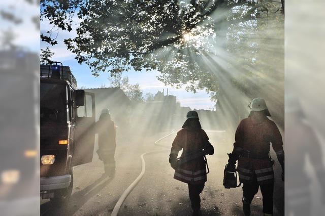 Feuerwehrübung: Brand im Sägewerk Späth gemeistert