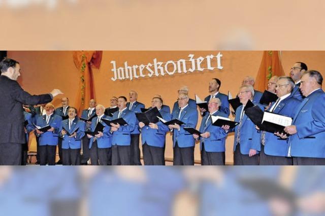 Kürzells Sänger erfreuen die Sangesfreunde im Dorf