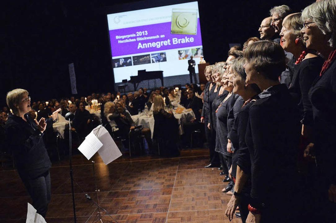 Ein Höhepunkt des Abends war die Verle...s Ereignis für Beteiligte wie Zuhörer.  | Foto: Barbara Ruda