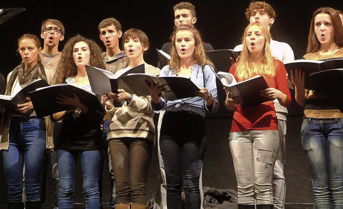 "Der junge Chor aus Gjakova kam mit tra...u ""Culturescapes Balkan"".   | Foto: Frey"