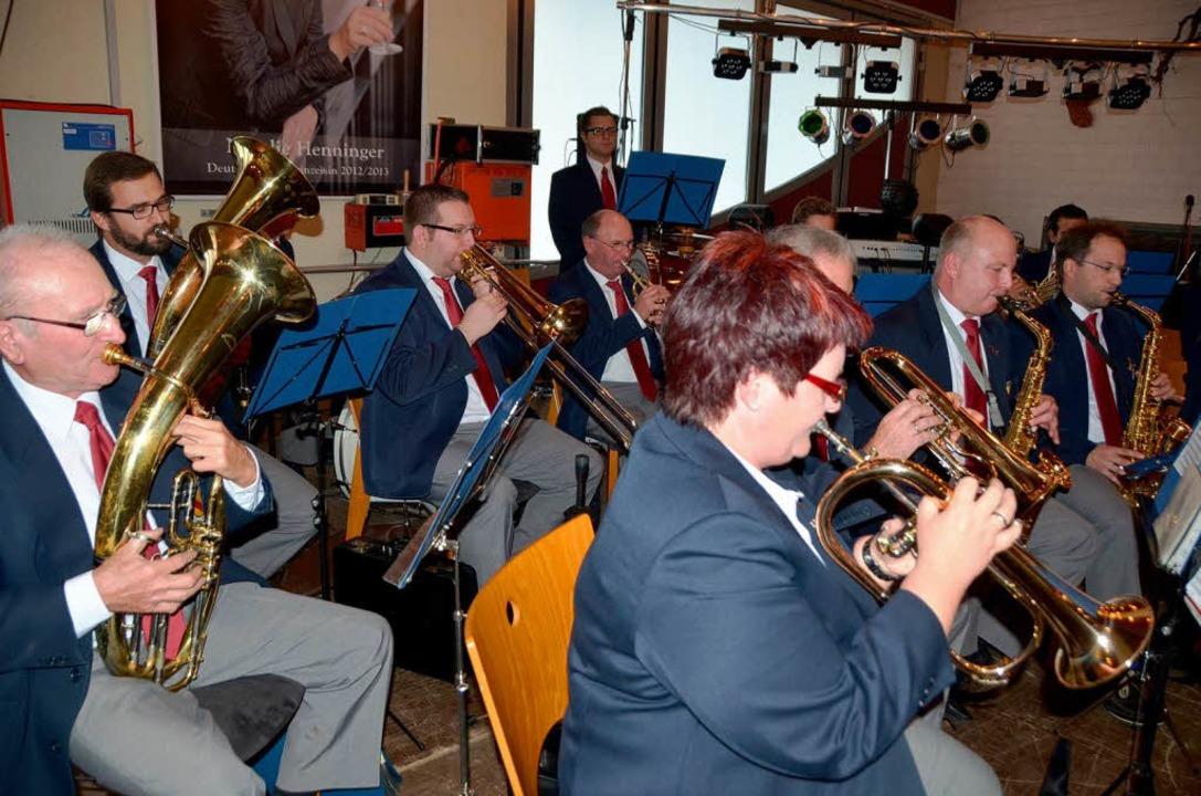 Der Musikverein Königschaffhausen umrahmte die Festeröffnung.    Foto: Roland Vitt