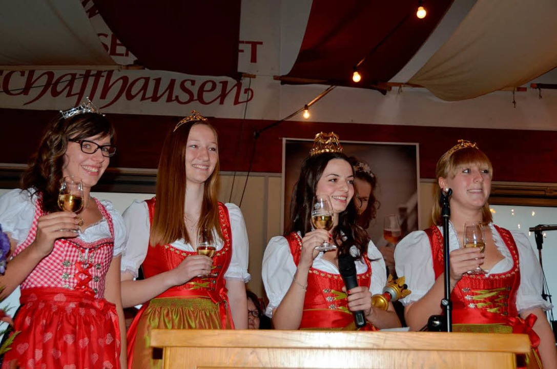 Hoheiten zu Gast: von links  Bereichsw...illinger und Prinzessin Monja  Mamier.    Foto: Roland Vitt