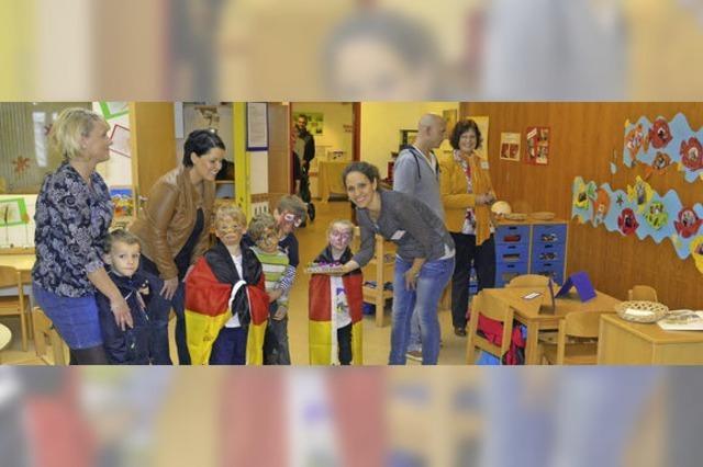 Nicht nur junge Eltern kamen in den Kindergarten