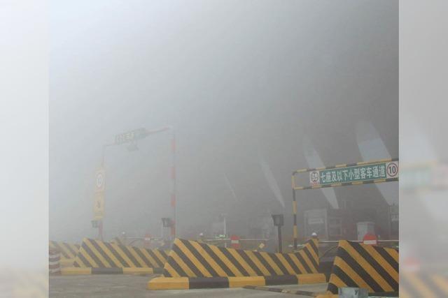 Smog legt Verkehr lahm