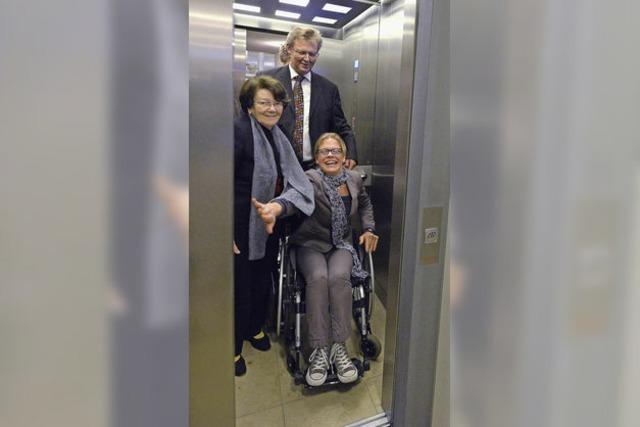 Das Theater ist endlich barrierefrei - neuer Aufzug eingeweiht