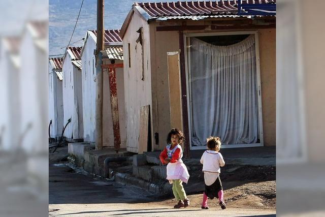 Skinheads wollten Roma-Familie blondes Kind abnehmen