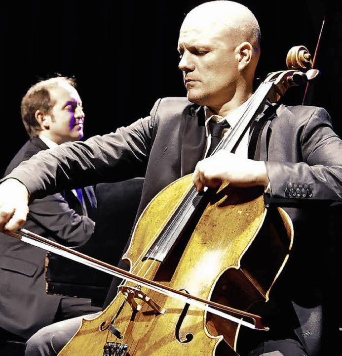 Jacques Ammon am Flügel und Eckart Runge am Cello   | Foto: Annette Mahro