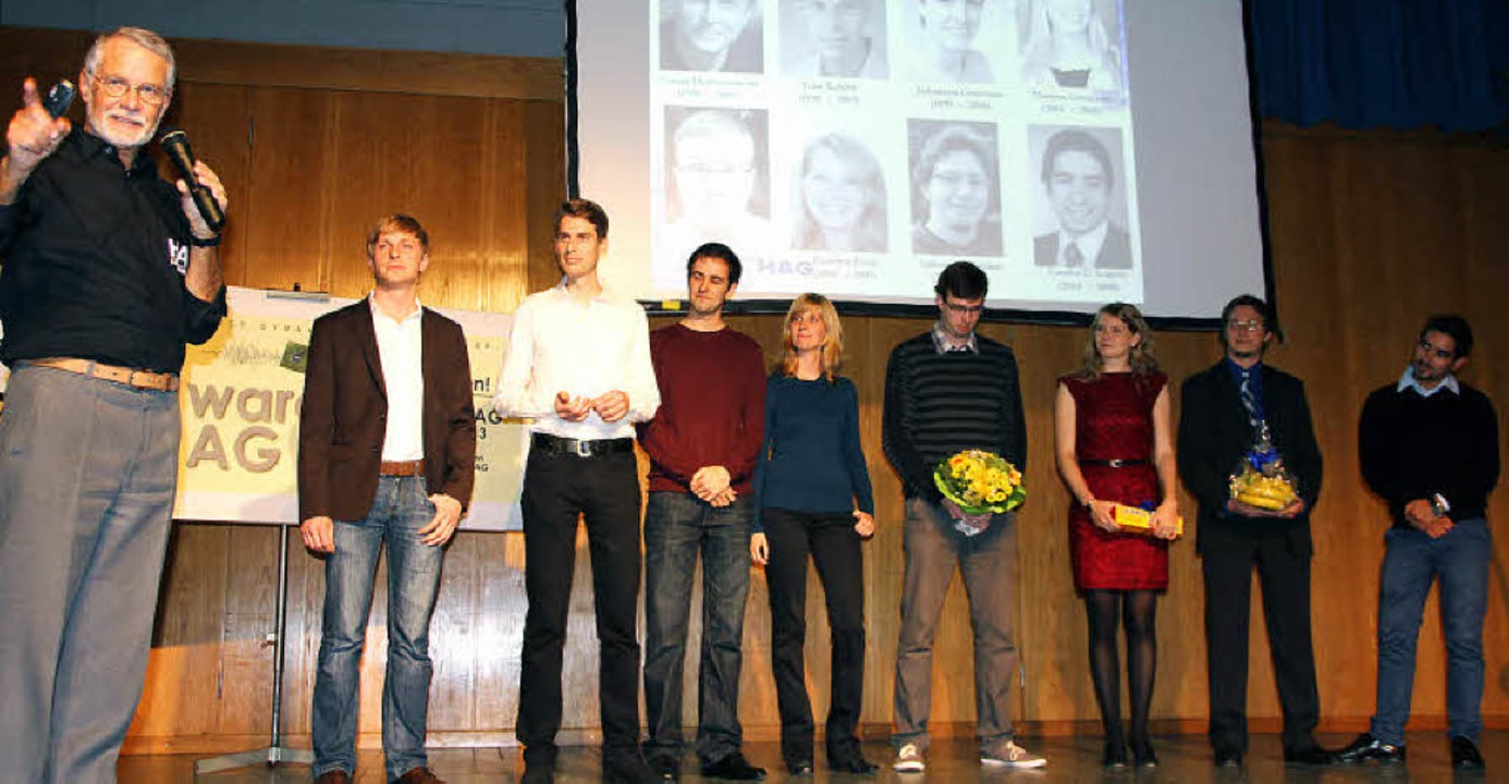 Winfried Sturm (links) zeigte ihnen ei... ihrer Karriere auf die Sprünge half.   | Foto: Sabine Model