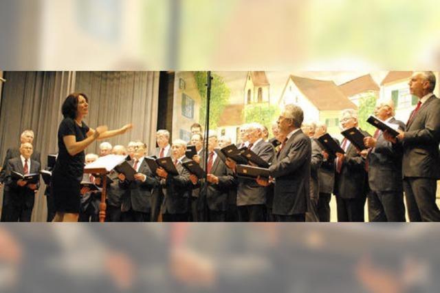 Marion Dammann wünscht den Liederkranz-Sängern Nachwuchs