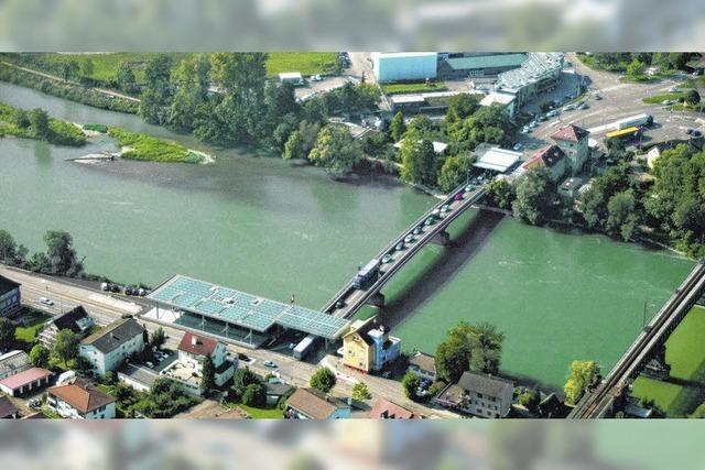 Rheinbrücke wird saniert - 2014 ist sie drei Monate lang gesperrt