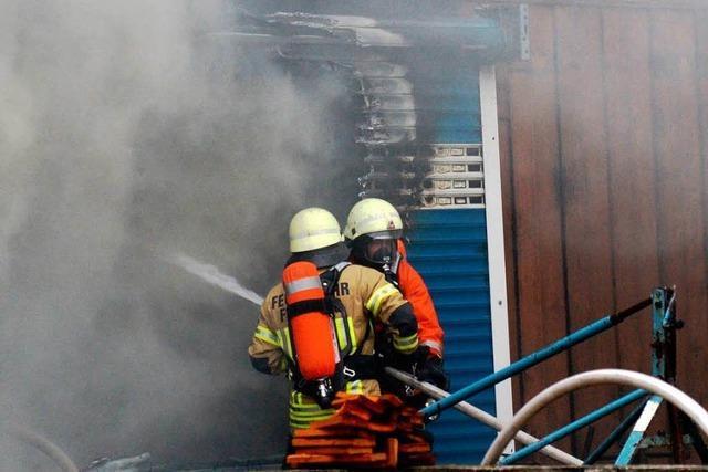 Großeinsatz bei Scheunenbrand in Opfingen