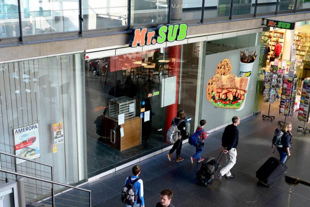 Subway zieht im Bahnhof just dort ein,...g 2011 eine Filiale abgespalten hatte.  | Foto: ingo schneider