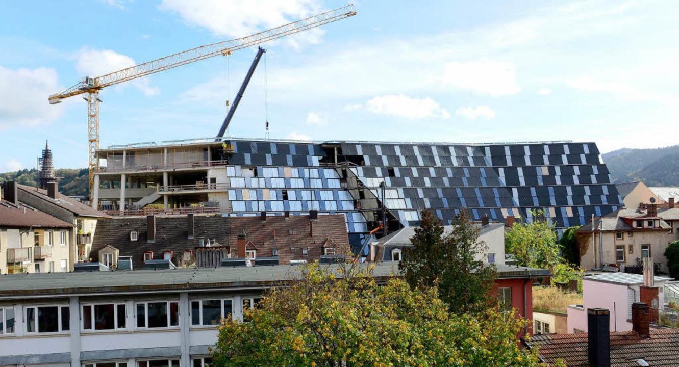 Die neue UB in Freiburg nimmt Form an.  | Foto: Ingo Schneider
