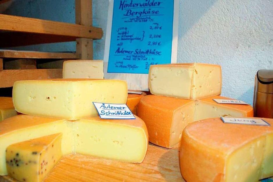 Für jeden Geschmack etwas dabei: Käse vom Hof Till (Foto: Claudia Füssler)