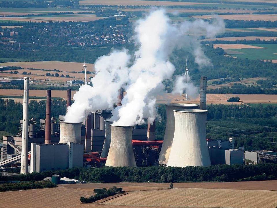 RWE-Braunkohlekraftwerk in Grevenbroich-Neurath  | Foto: DPA
