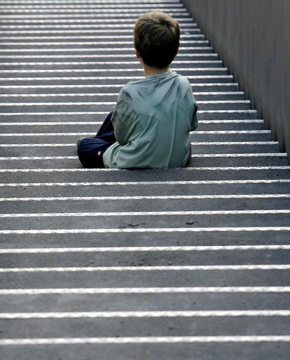 Begleiteter Umgang soll Trennungskinder nicht allein lassen.  | Foto: DPA