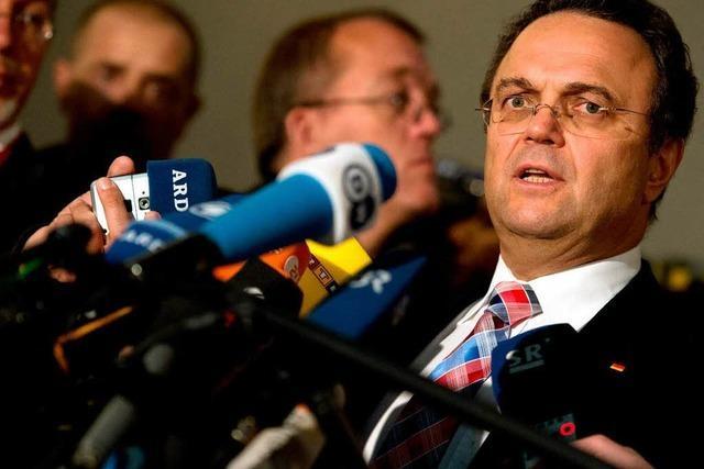 Friedrich will Snowden befragen