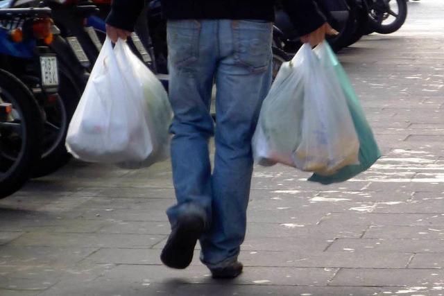 Überall Plastiktüten