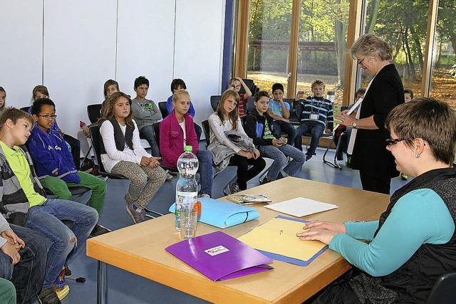 Die blinde Stefanie Liske beeindruckt die Schüler