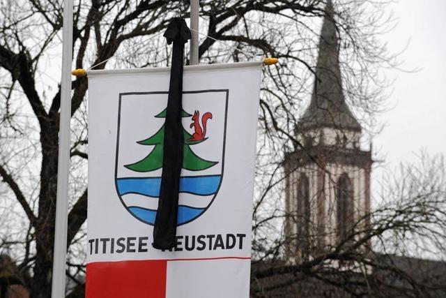 Brandkatastrophe von Neustadt: Stilles Gedenken an die Opfer