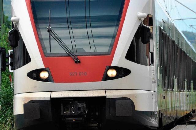SBB testen neue Stehplatzzonen – Regio-S-Bahn gespannt