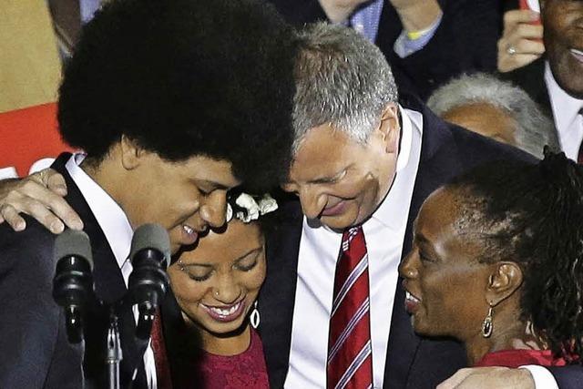 Die Frisur des neu gewählten Bürgermeisters Bill de Blasio steht im Zentrum des Interesses