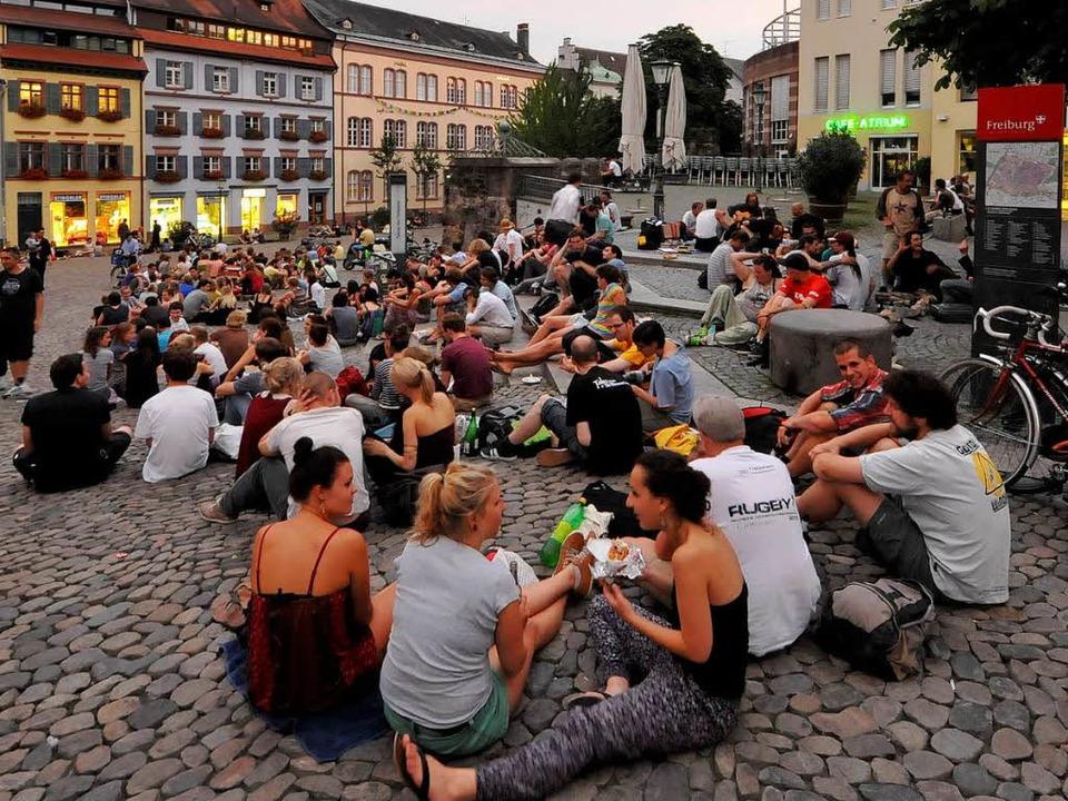 Der Augustinerplatz soll ein Ort der Begegnung bleiben.  | Foto: Michael Bamberger