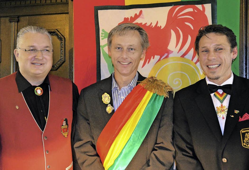 Eine neue Rolle:  Bürgermeister Michae...r der Lörracher Fasnacht proklamiert.   | Foto: Nikolaus Trenz