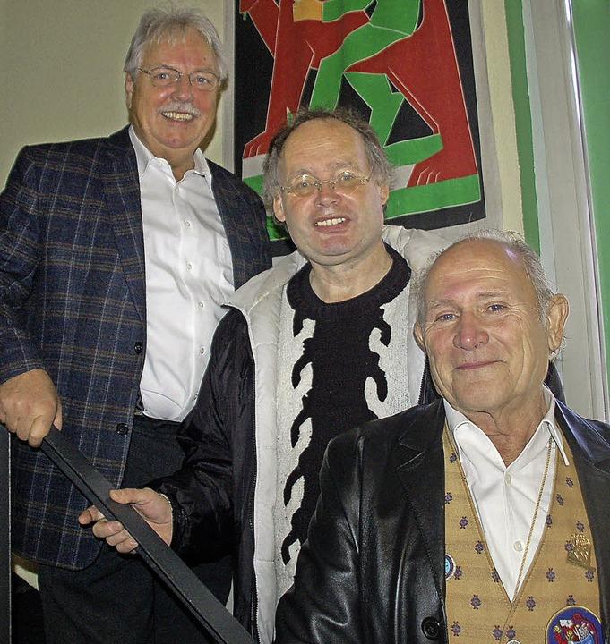 Bruno Dürrholder (von rechts), Werner ...ersten Vorstand des Fördervereins an.   | Foto: Petra Wunderle