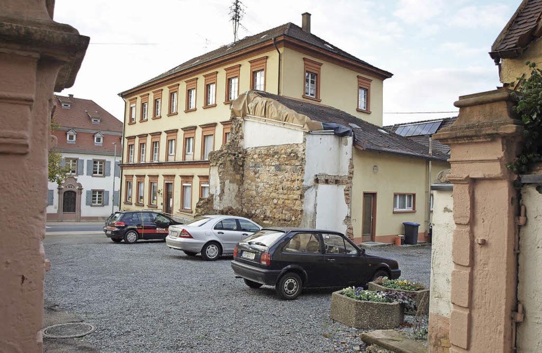 Die Pläne für  Pfarr- und Gemeindehaus kommen auf den Prüfstand.    Foto: Michael Haberer