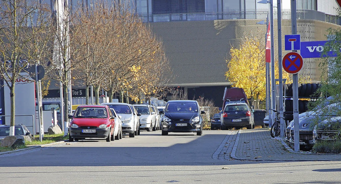 Wo Parkverbot herrscht, bleiben die St...as war im Gewerbepark nicht immer so.   | Foto: Frey