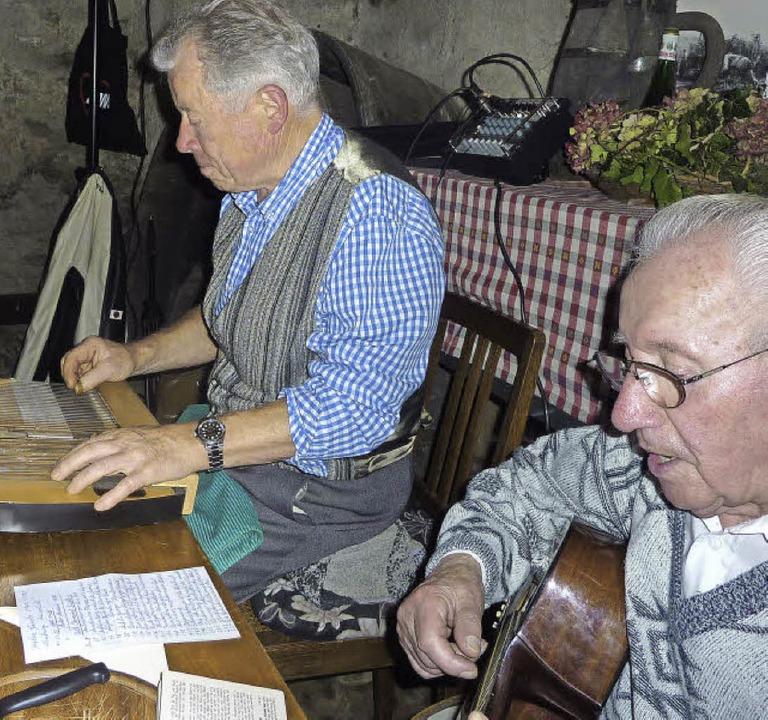 Gerhard Strub und Willi Leicher sorgten für die Musik   | Foto: Karlernst Lauffer