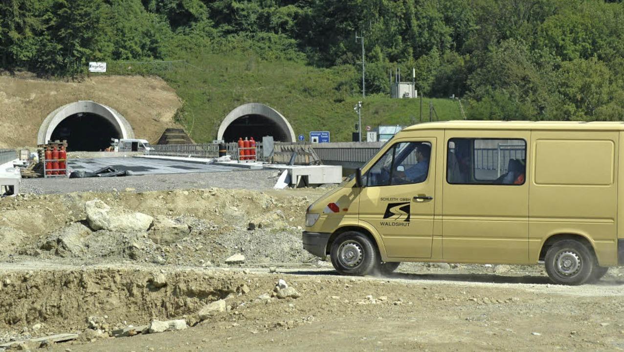 Ein Bild wie es sich viele in der Regi...-Tunnelröhren kurz vor der Vollendung.  | Foto: Archivfoto: Ralf Dorweiler