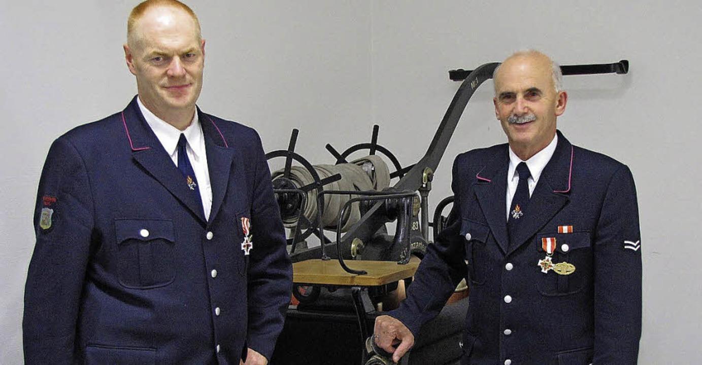 Für 25 Jahre  aktiven Feuerwehrdienst ...nstjahre erhielt Richard Goldschmidt.   | Foto: Feuerwehr