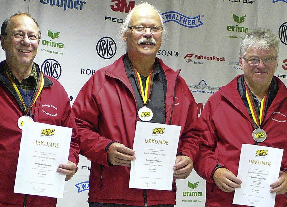 Walter Brühlmann, Gerd Rombach und Wal...ewehr in Hannover die Silbermedaille.     Foto: sg neustadt