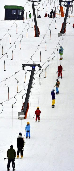 Einen solchen Schlepplift will der Skiclub kaufen.   | Foto: dpa