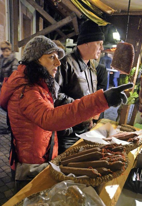 Auch Wurstwaren gehören zum Angebot de...November bis 1. Dezember stattfindet.     Foto: Senf