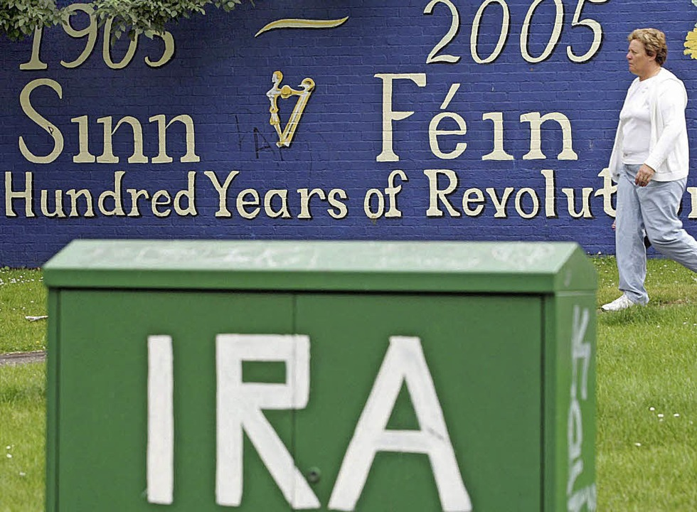 Sinn Fein und IRA waren lange eng verbunden.  | Foto: DPA Avis