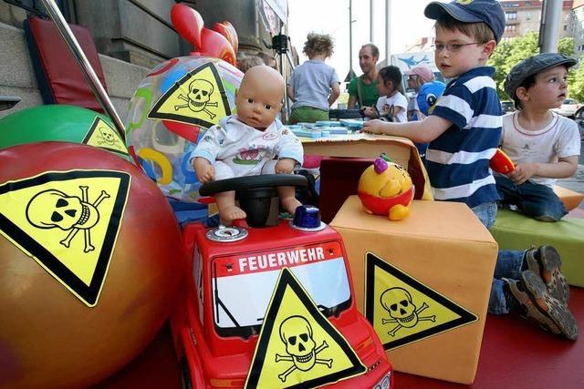 Zu viel Chemie im Spielzeug: Schadstoffe belasten Kinder