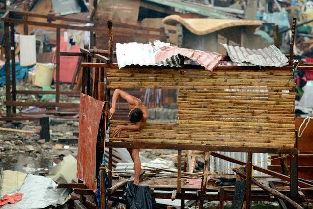 Philippinen: Neuer Tropensturm behindert die Hilfe